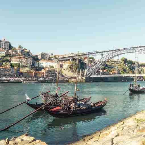 Viagem pelo Rio Douro Vinhateiro