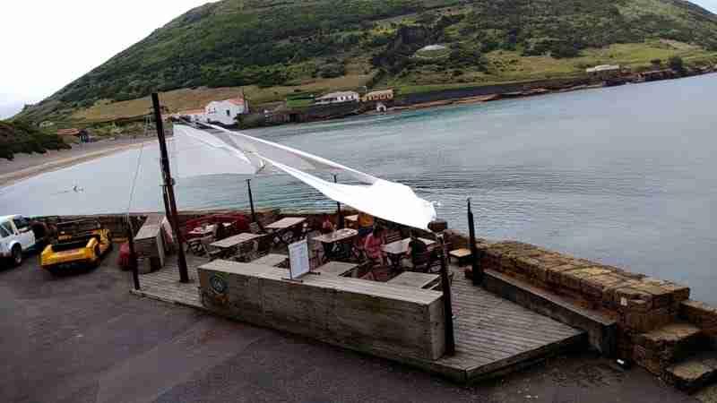 Praia do Porto Pim, Perto do Restaurante Genuino