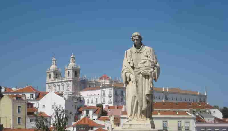 Estátua de São Vicente de Fora