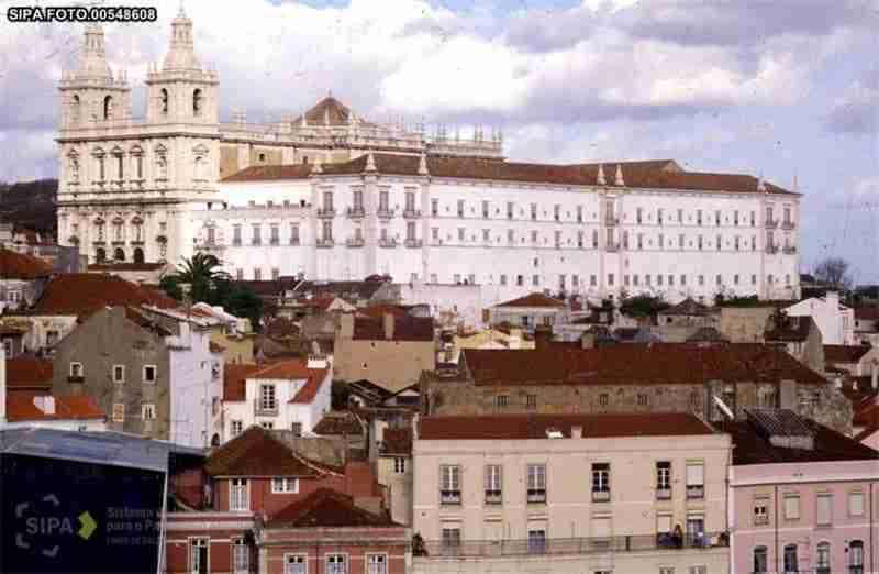 Vista Geral Mosteiro; Fonte-SIPA