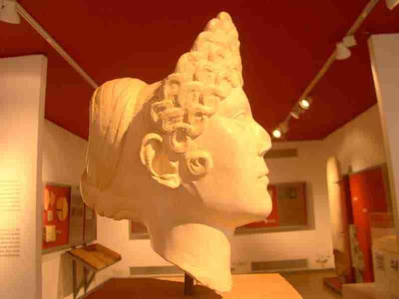Busto de Jovem Romana